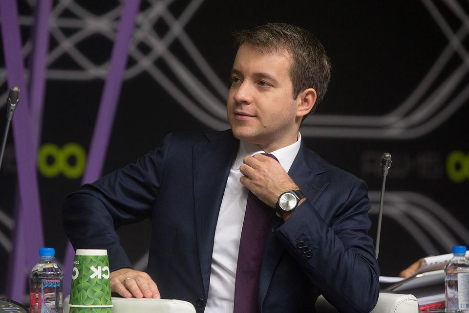 Николай Никифоров надеется, что уже к концу этого года российские офисные пакеты установит половина чиновников