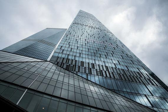 У Capital Group на сегодняшний день самые высокие здания на столичном рынке новостроек. Всего компания реализует в Москве три таких проекта: «Город столиц» (302 м, класс — элит, Пресненский район), «Триколор» (192 м, класс — бизнес, район Ростокино), ОКО — на фото (354 м, класс-элит, в «Москва сити»).  Общая площадь квартир и апартаментов составляет 377 941 кв. м.