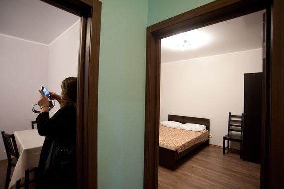 По программе на смену морально устаревшему жилью будут строить в  основном монолитные дома, повторил заместитель мэра