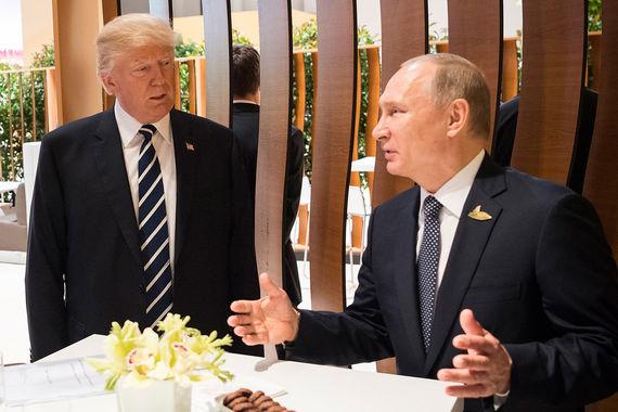 Президенты США и России Дональд Трамп и Владимир Путин в кулуарах G20
