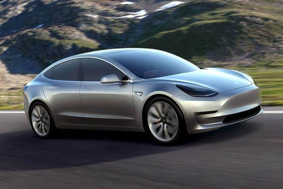 Ранее Маск обещал, что первые 30 электромобилей покупатели получат уже 28 июля, в августе будет выпущено 100 электромобилей, в сентябре – 1500 машин (на фото: макет Mode 3)