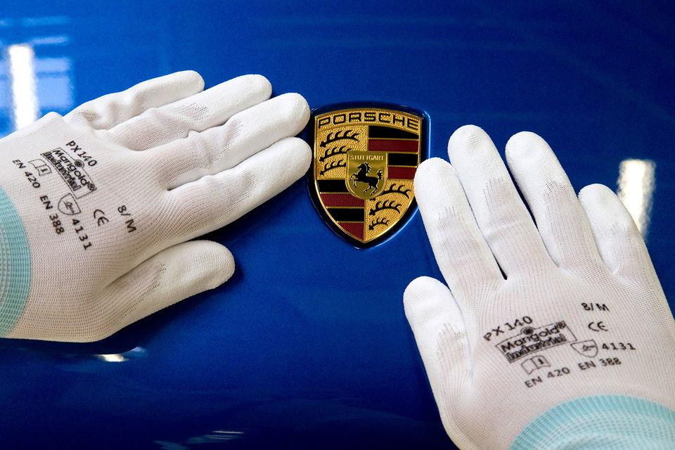 Представители Porsche заявили, что воспринимают расследование в отношении концерна всерьез, компания готова к сотрудничеству с прокуратурой