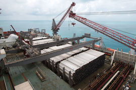 «Газпром» уже построил около 50 км «Турецкого потока» по дну Черного моря, сообщил министр энергетики Александр Новак