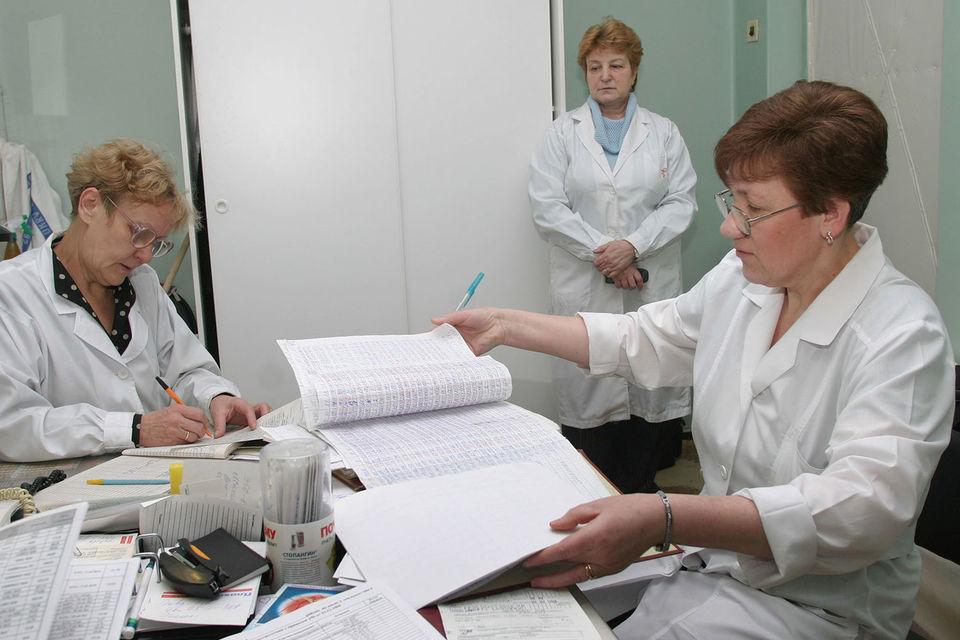 Врачи считают, что резкий рост нагрузки на них мешает росту качества медицинской помощи