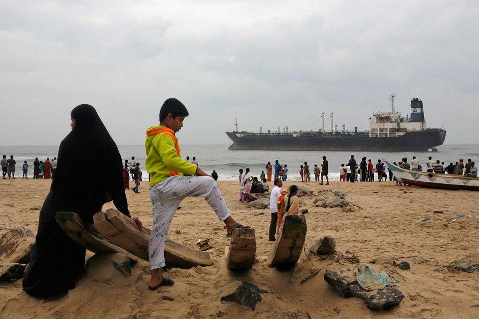 Из-за роста цен на ближневосточную нефть Индия начала искать новые источники поставок