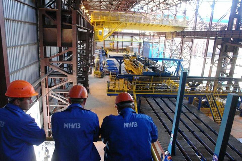 В 2009 г. «Мечел» стал стратегическим партнером для предприятий группы «Эстар», в которую входил и РЭМЗ («Эстар» принадлежал Варшавскому)