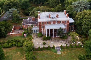 Более 40 лет поместье Pioneer Point использовалось как место отдыха сотрудников российского посольства