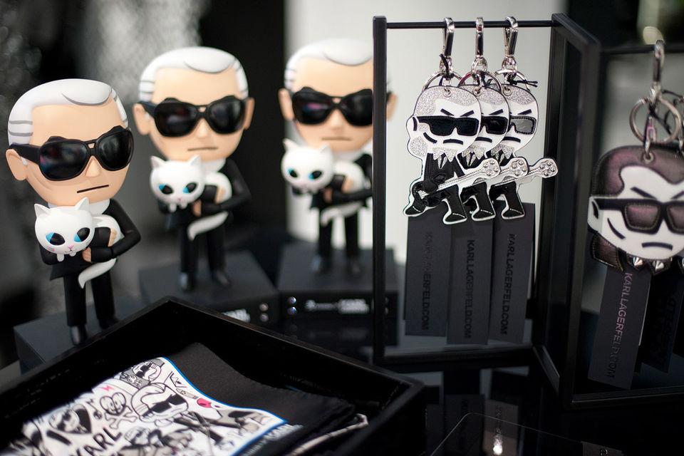 До сих пор в России Karl Lagerfeld продавался только в мультибрендах и в магазинах мужской одежды