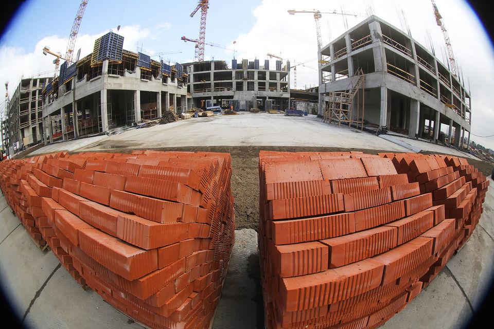 ЛСР стала меньше продавать жилья в высоком ценовом сегменте из-за вымывания ликвидного предложения и отсутствия новых проектов, не исключает Елизавета Конвей