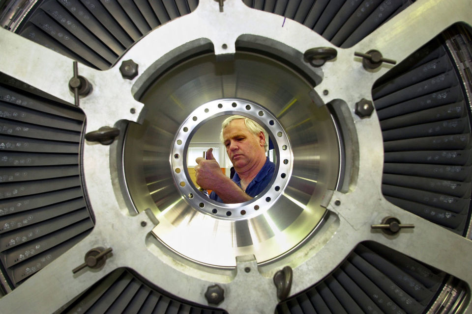 Масштабы сокращений вызвали критику профсоюзов и опасения, что Boeing ослабляет команду инженеров