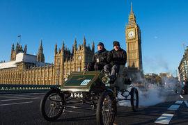 Чтобы сделать воздух чище, Великобритания хочет, чтобы через четверть века не продавались даже гибридные автомобили