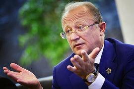 Свою долю в радиохолдинге продал президент холдинга «Сибирский деловой союз» Михаил Федяев