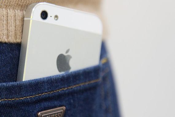 IPhone опять лидер продаж