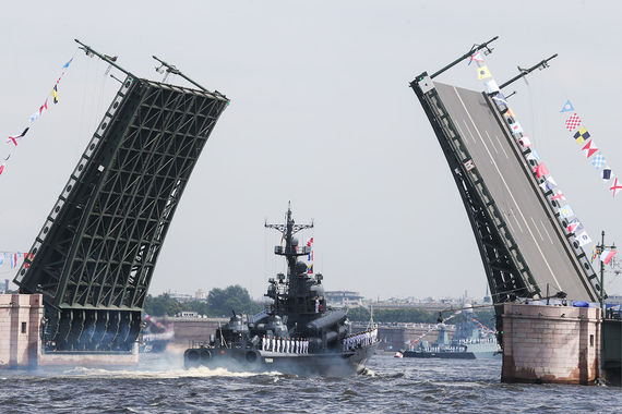 normal 10aq В Петербурге образовались пробки из за разведенных мостов