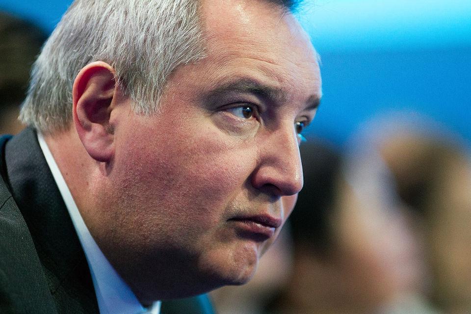 Рогозин пообещал ответные меры за отказ румынских властей пропустить рейсовый самолет авиакомпании S7, на котором он направлялся в Кишинев