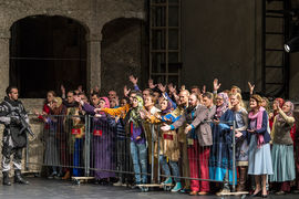 Толпа беженцев стала главным коллективным героем спектакля
