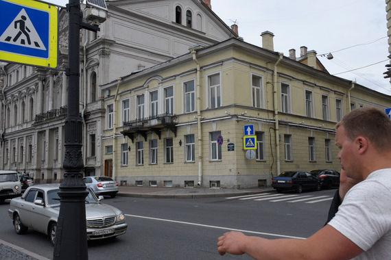 normal 20y Владелец особняка на Дворцовой набережной, 20, снизил его цену до 365 млн рублей