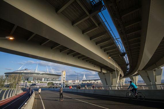 normal 1aem Строители Яхтенного моста пытались получить грант за подарок городу