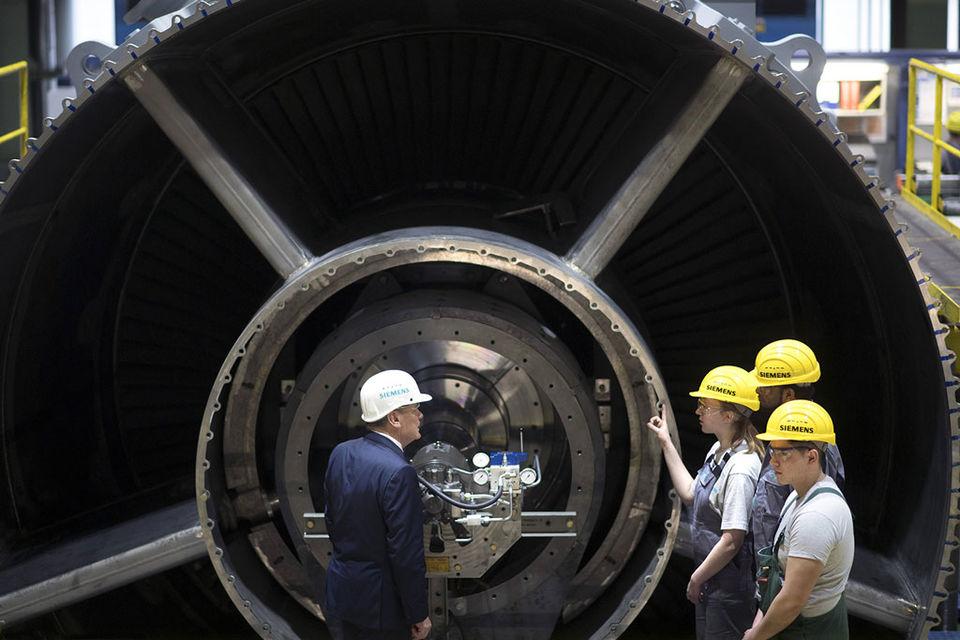 О том, что купленные «Технопромэкспортом» у Siemens четыре газовые турбины были поставлены в Крым, стало известно в июле