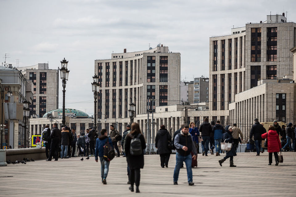 Большинство россиян предпочли оставить свои накопления в ВЭБе