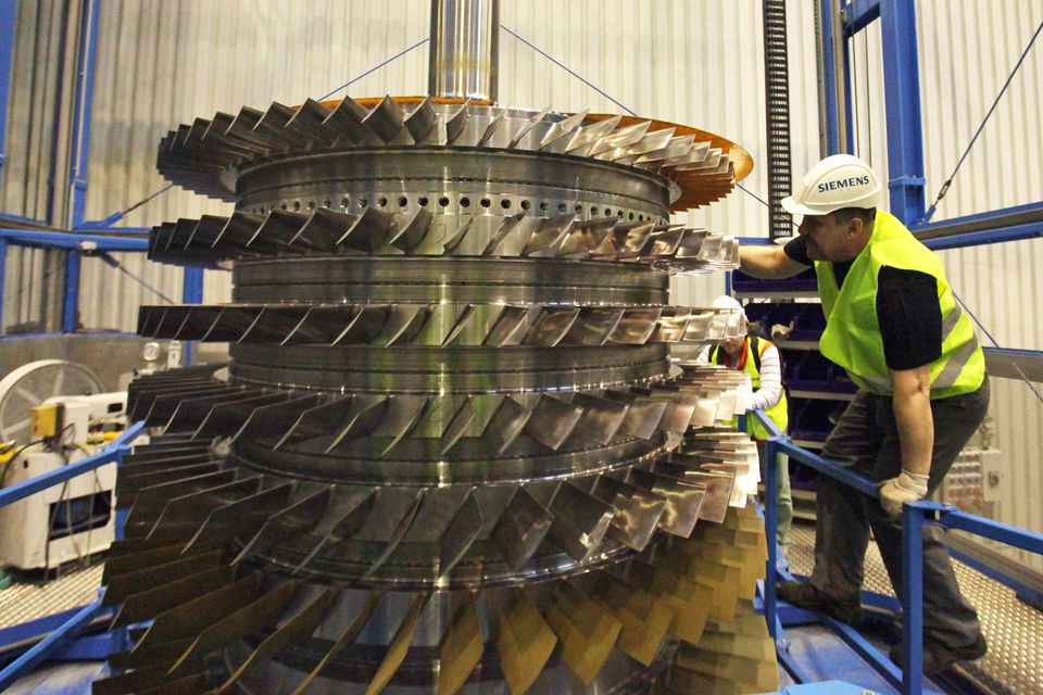 В пятницу Совет Европы принял решение о расширении санкционного списка из-за ситуации с поставками турбин Siemens в Крым