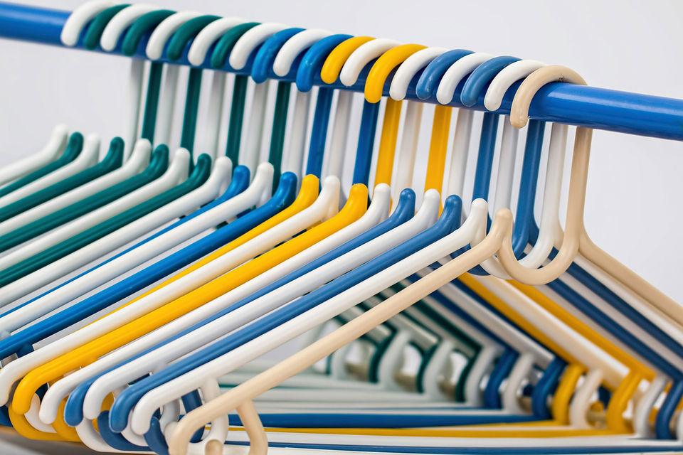 На фоне падения продаж многих традиционных ритейлеров на рынке стали возникать специализированные фирмы, которые помогают продавцам одежды уйти в интернет