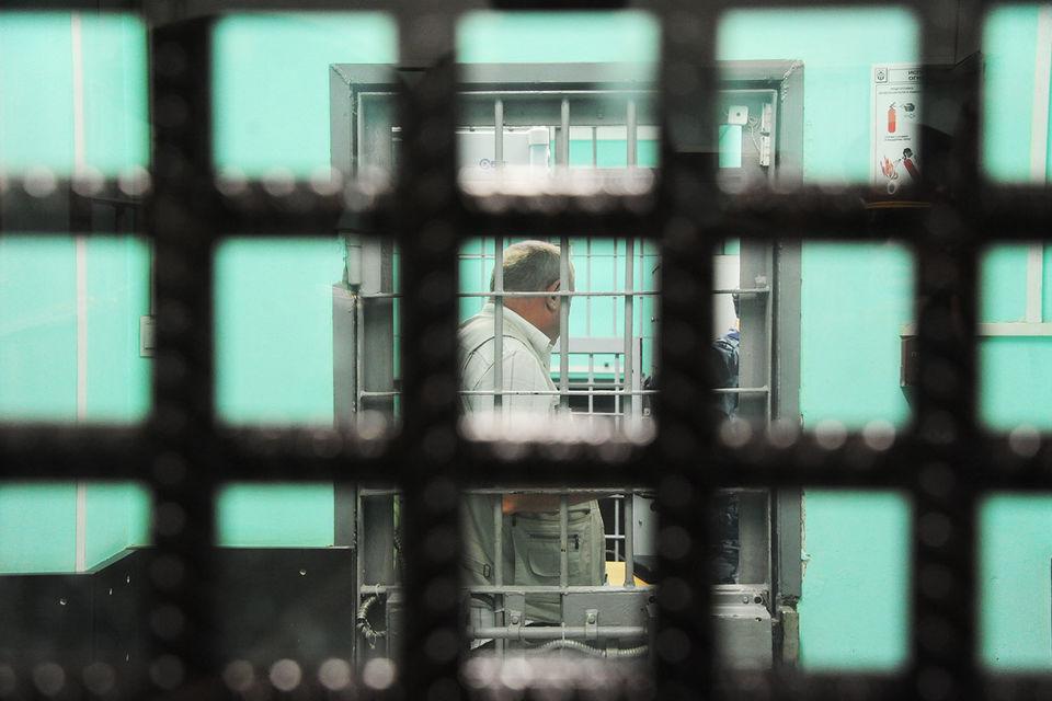 Шансов избежать тюрьмы у коррупционеров больше, чем у других преступников