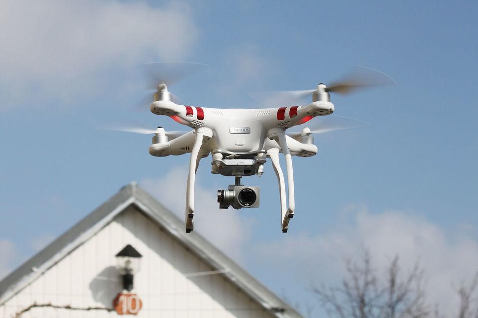 Федеральное авиационное управление США разрешило местным страховщикам применять дроны для оценки ущерба в апреле 2015 г.