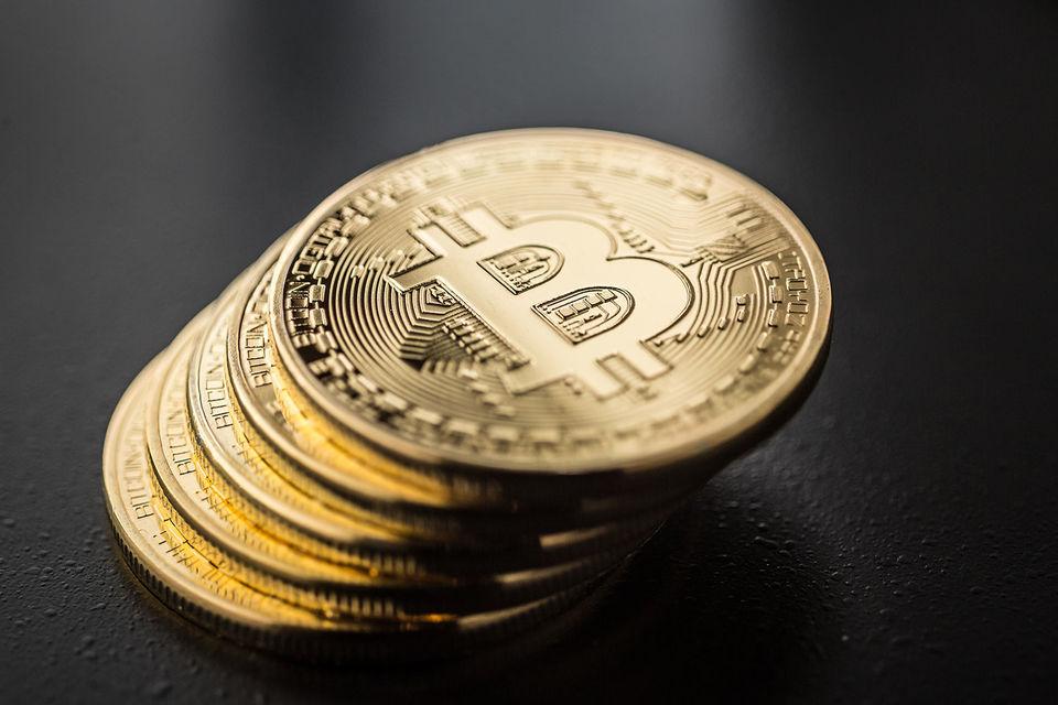 На цене биткоина позитивно сказалось и то, что Чикагская биржа опционов договорилась с биткоин-биржей Gemini о торговле биткоин-фьючерсами и опционами, говорит сооснователь Bitcoin Fund Алексей Кириенко