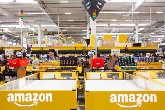 На третьем — Amazon. Методология оценки основана на способности инвесторов выявлять фирмы с  инновационным потенциалом. Компании оцениваются по их инновационной  премии – разнице между рыночной капитализацией и денежными потоками от  предприятий