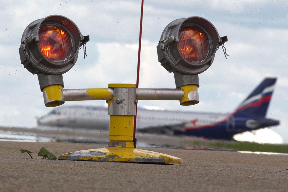 В июле «Аэрофлот», S7 и «Якутия» существенно повысили стоимость пассажирских перевозок по маршруту Якутск-Москва-Якутск, приводит пример ФАС
