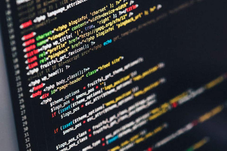 Компания собирает данные о компаниях и людях из открытых онлайн-источников и формирует списки потенциальных клиентов