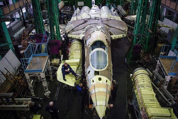 Ранее авиационный комплекс, проходящий испытания, был известен под  предсерийным индексом Т-50