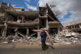 Эс-Сухна, находящаяся в 70 км от Пальмиры, была последним крупным оплотом ИГ в провинции Хомс и накануне была взята после ожесточенных боев на подходах к городу и недельной осады