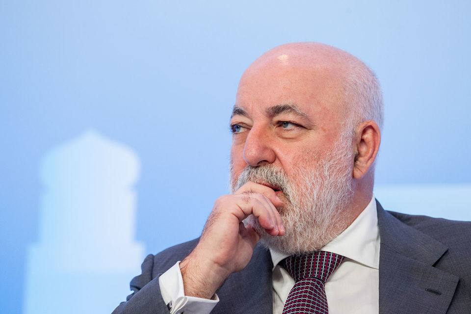 После сделки под контролем Виктора Вексельберга и его партнеров будет 22,8% UС Rusal, а у «Онэксима» осталось 6,7%