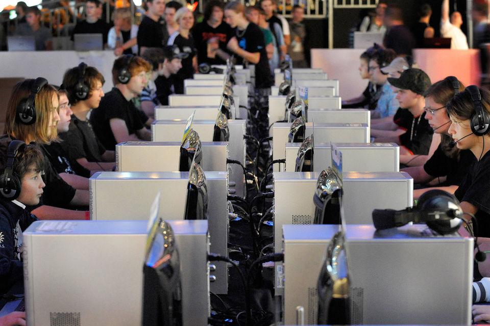 Киберспорт – это открытые соревнования пользователей известных компьютерных игр