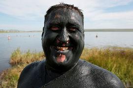 Среди того, что может привлечь туристов, – уникальные целебные грязи в Хакасии