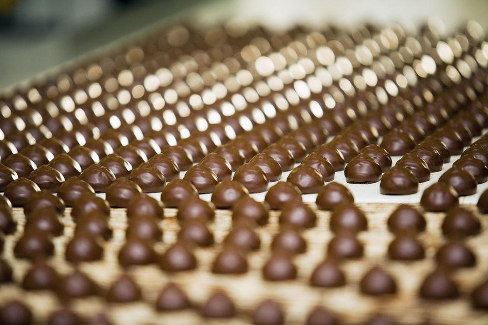 Шоколад в кризис подорожал сильнее других кондитерских изделий из-за роста себестоимости, отмечали аналитики Nielsen