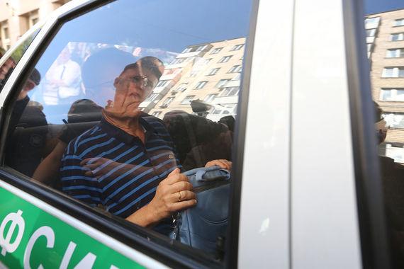 Тогда же сторона обвинения заявила главного исполнительного директора «Роснефти»  Игоря Сечина в качестве свидетеля. «Возможно, он будет вызван в суд», –сказала  пресс-секретарь суда Эмилия Хиль