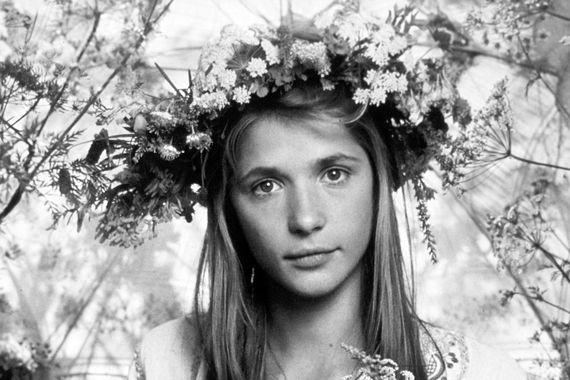 Актриса родилась в 1956 г. в Москве, а первый раз в кино снялась после окончания школы (фото 1985 г.)