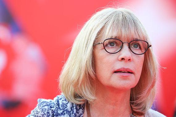 Народная артистка России Вера Глаголева скончалась на 62-м году жизни. Об этом агентству  «РИА Новости» рассказала ее подруга, актриса Лариса Гузеева