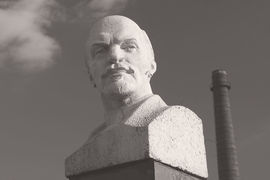 Коммунизм рухнул из-за лжи двух типов