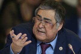 «Вы знаете, что я этого не заслужил», - сказал Тулеев на совещании
