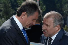 Если сделка состоится, у Эдуарда Худайнатова (справа) может быть большая доля «Роснефти», чем у Игоря Сечина