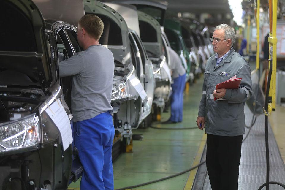 Помимо прочего компания предлагает единовременную выплату в 30 000 руб. желающим перевестись на линию B0, где выпускаются автомобили под брендами Lada, Renault, Nissan