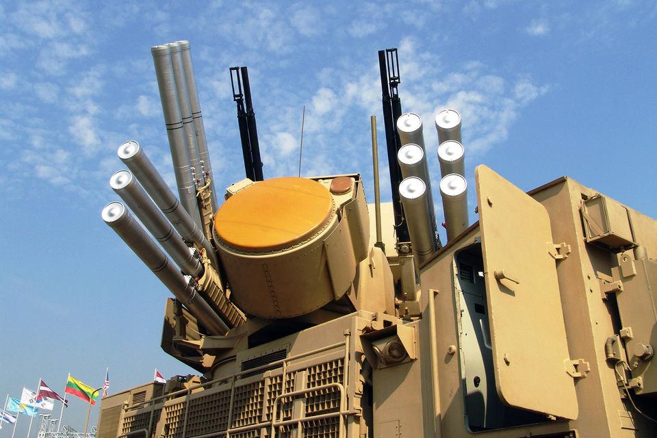С Экваториальной Гвинеей на форуме был заключен контракт на поставку двух боевых машин зенитного ракетно-пушечного комплекса «Панцирь С»