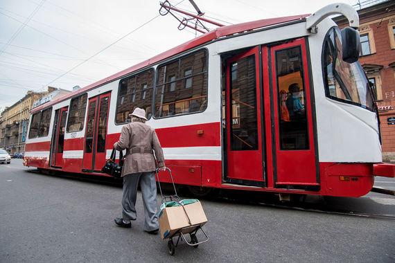 normal 16y9 Смольный обвиняет концессионера в том, что он срывает сроки реконструкции трамвайной сети