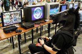 Два из трех пользователей интернета в России играют в игры на компьютерах, а не на смартфонах