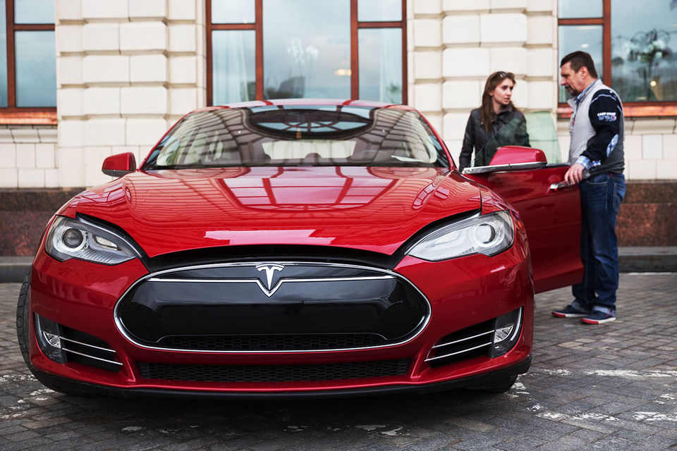 Рост продаж обеспечен за счет марки Tesla, на долю которой пришлось около 70% от общего объема, комментирует агентство