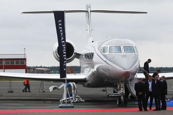 Gulfstream G650 — реактивный самолёт бизнес-класса, рассчитанный на перевозку до 19 человек